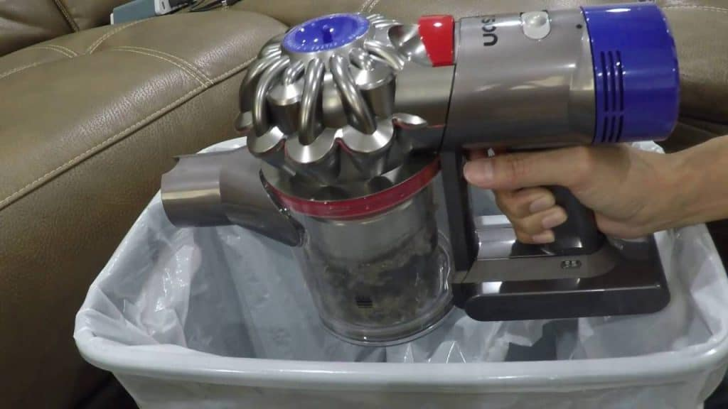 Dyson V8 Absolute disposal