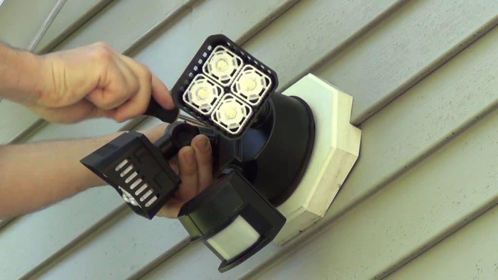 Motion Sensor Light Problems Requiring Professional Help (1)